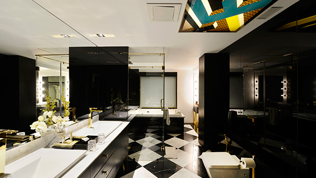 Luxury bathroom Design by Della